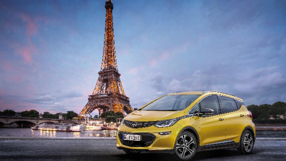 Der Opel Ampera-e bietet Platz für fünf Passagiere.