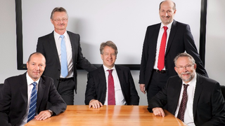 Die Geschäftsleitung von Knick (v.l.n.r.): Gerhard Madl (Leiter Marketing und Vertrieb), Jörg Giebson (Leiter Forschung und Entwicklung), Marcus Knick (Geschäftsführender Gesellschafter), Markus Aschenbrenner (Leiter Produktion und Logistik) und Dr.