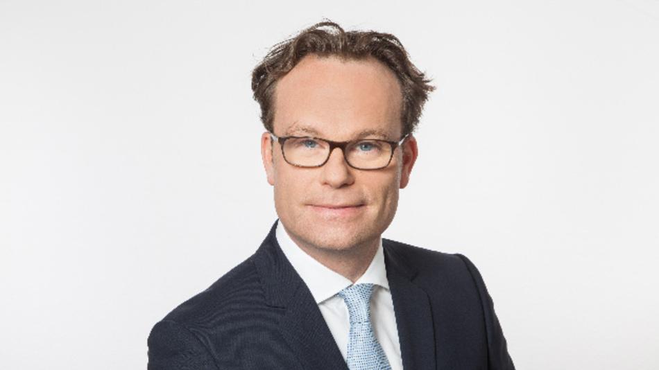 Vor seiner Zeit bei Savari war Jens Kahrweg Director Field Application Engineering EMEA bei Atmel. Zuvor hatte er mehrere Management-Positionen im Bereich Automobilvertrieb, Marketing und Applications Engineering bei NXP sowie Infineon inne.
