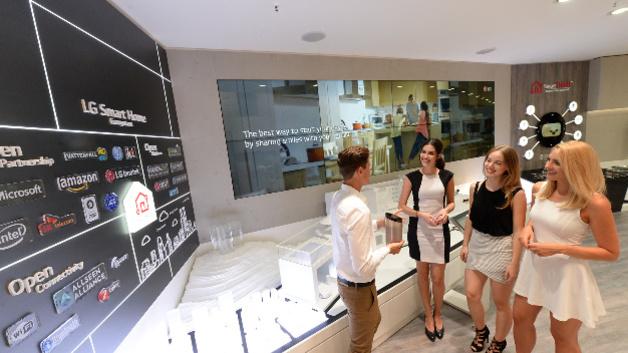 Kleiner Lg Kühlschrank : Smart home lg baut sein iot Ökosystem aus u elektroboerse handel