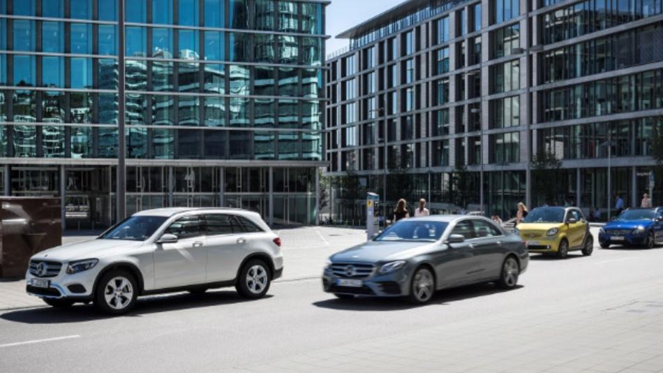 Mit Hilfe ihrer On-Board-Sensoren sollen Fahrzeuge Daten über freie Stellplätze am Straßenrand generieren.