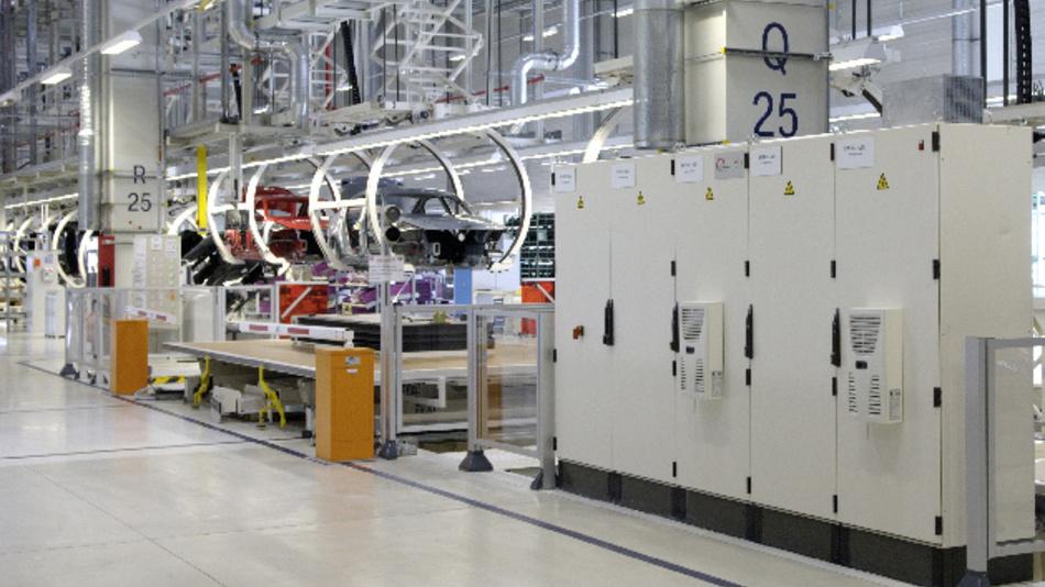 Wie aktuelle und zukünftige Schaltschrank-Standards in der Automobilindustrie aussehen, können Fachbesucher vom 18. bis 20. Oktober auf der 9. Internationalen Zuliefererbörse (IZB) in Wolfsburg erfahren.