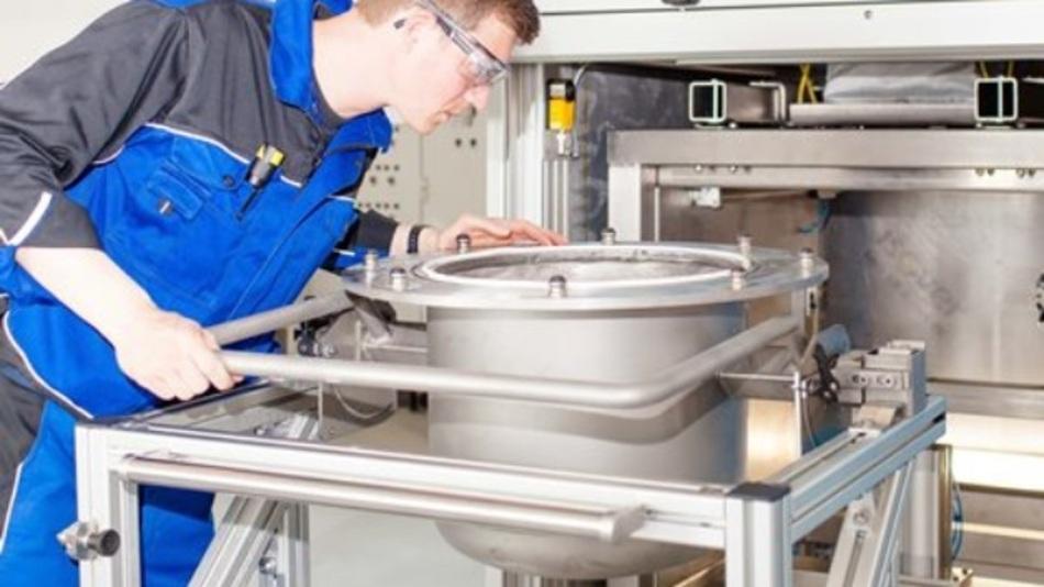 Die elektrohydraulische Zerkleinerungsanlage dient zur selektiven Auftrennung von Verbundmaterialien.