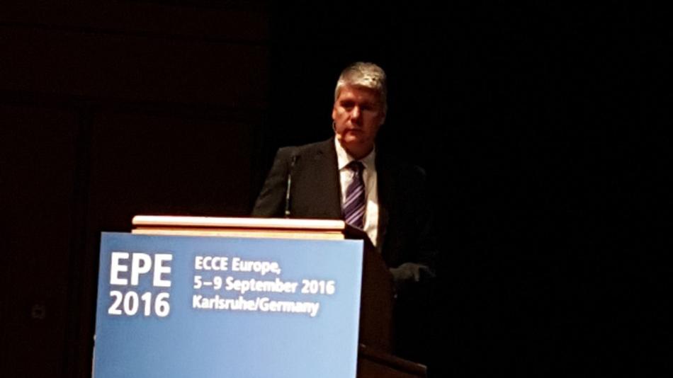 Dr. Peter Friedrichs, Senior Director SiC bei Infineon, bei seiner Keynote anlässlich der EPE 2016 in Karlsruhe.