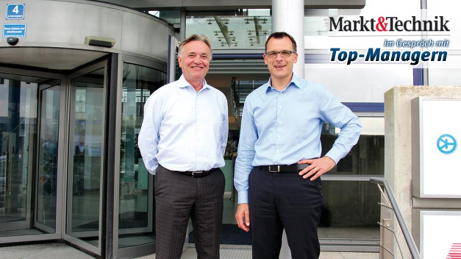 Broadcom schlägt mit der Exklusivvereinbarung mit EBV ein neues Kapitel in seiner europäischen Distributionsstrategie auf: Thomas Pavel von Broadcom (rechts) und Slobodan Puljarevic von EBV haben gemeinsam große Ziele.