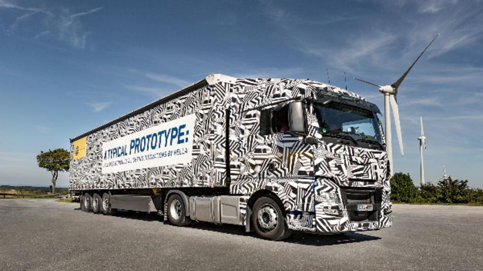 Mit auffälligem Erlkönig-Muster: der Technologie-Truck von Hella.