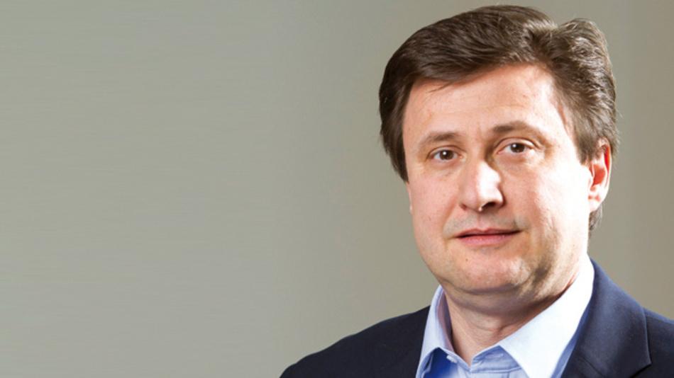 Frank-Steffen Russ, EBV Elektronik »Automobilhersteller arbeiten intensiv daran, Fahrzeuge zu aktiven Teilnehmern im Internet zu machen. 2020 wird nach Einschätzung der Automobilkonzerne jedes zweite Kfz ein Connected Car sein.«