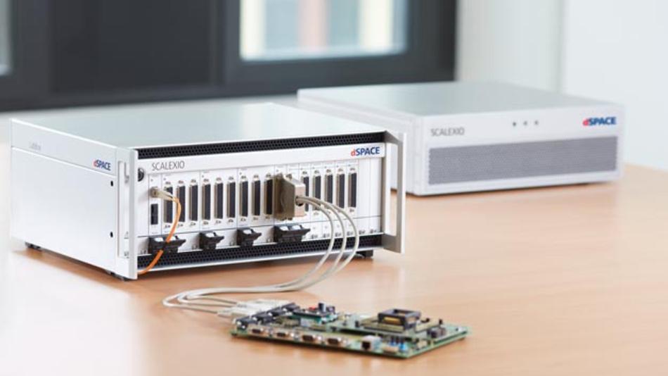 Mit Scalexio LabBox hat dSpace einen Hardware-in-the-Loop-Simulator für den Schreibtisch entwickelt.