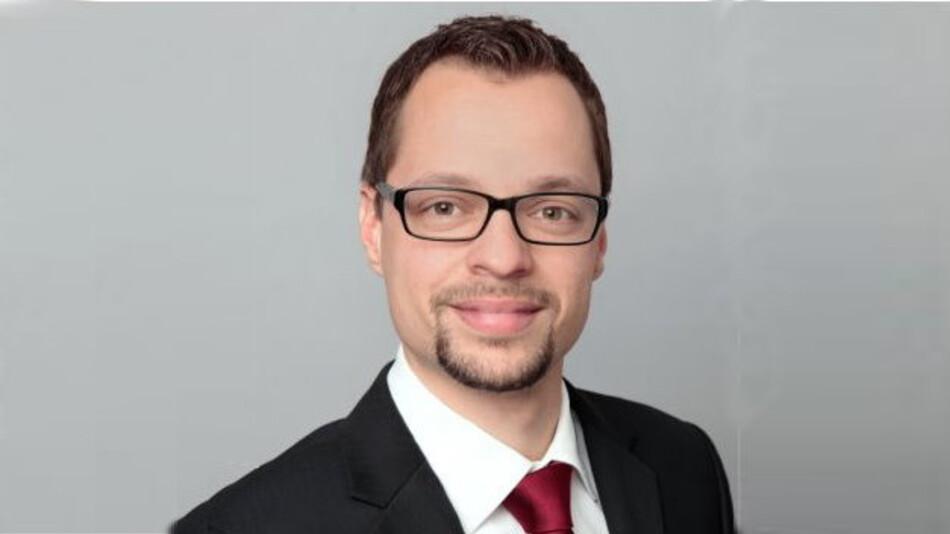 Johannes Droste von PwC Legal erklärt in seinem Vortrag auf dem 2. Markt&Technik Security Symposium am 18. September in München vertieft, wie Unternehmen Fallstricke der neuen Security-Gesetzgebung erkennen und umgehen.