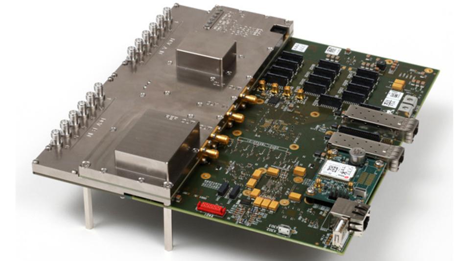 HF-Empfänger R5000 vom Innovationszentrum für Telekommunikationstechnik GmbH IZT für den Frequenzbereich von 9 kHz bis 18 GHz.