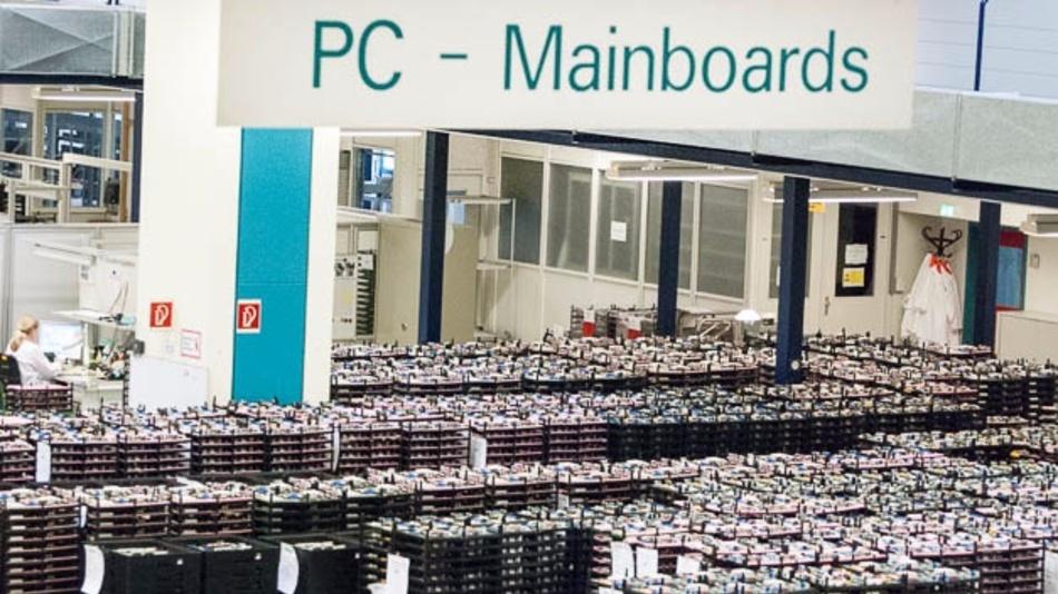 Lager in der PC-Fertigung bei Fujitsu in Augsburg.