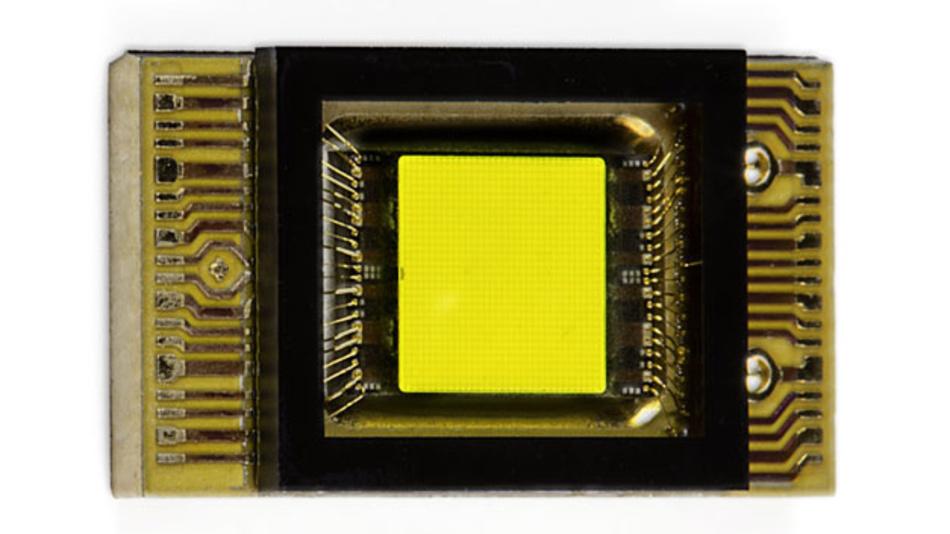 Das Lichtquellmodul von Osram besteht aus drei dieser mikrostrukturierten Pixel-LED-Chips.