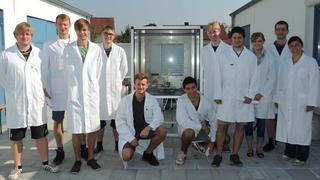Die Studenten von Prof. Karl-Heinz Pettinger von der hochschule Landshut haben in einem Simulationsexperiment eine Batterie erfolgreich zum Brennen gebracht