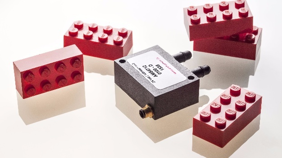 Der Drucktransmitter AMS 4712 steckt im robusten Polyamid-(PA66)-Gehäuse (35 x 25 x 25,3 mm³) und genügt der Schutzanforderung IP67.