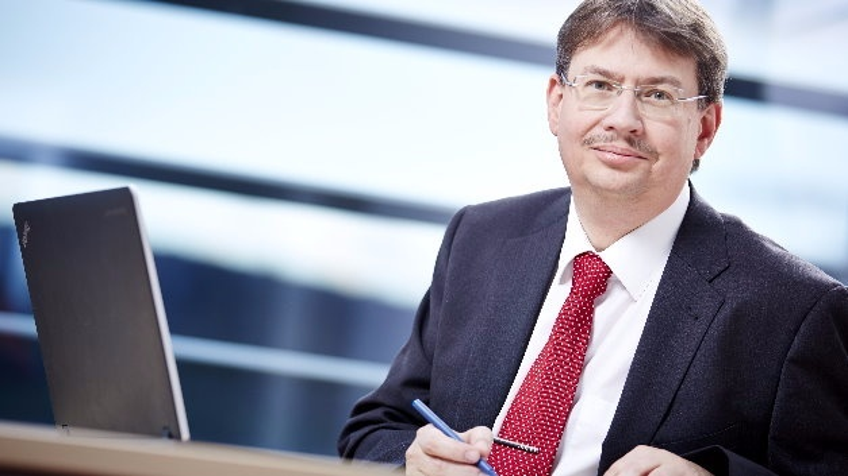 Prof. Dr. Volker Lohweg, inIT: »Mit einer intelligenten Erweiterung der Sensorik an Produktionsanlagen können wir in der industriellen Fertigung beispielsweise den Gesundheitszustand einer Anlage überprüfen und Probleme frühzeitig erkennen.«
