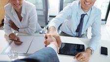 Recruiting Jede vierte Firma lockt mit flexiblen Arbeitszeiten