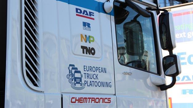 NXP und DAF Trucks zeigten der Presse im Vorfeld der Electronica Lkw-Platooning live.