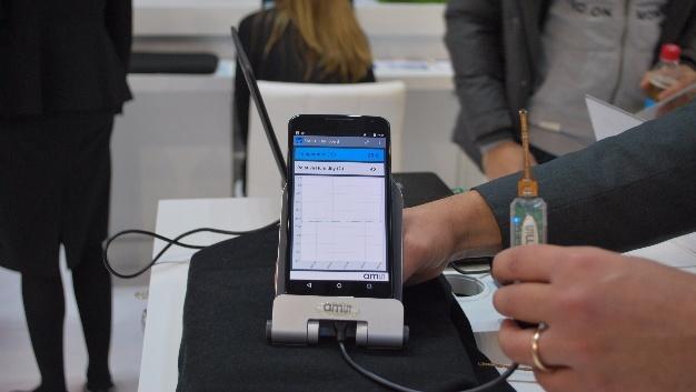 Am Stand von ams wird der der neue Sensor-IC in der praktischen Anwendung gezeigt.