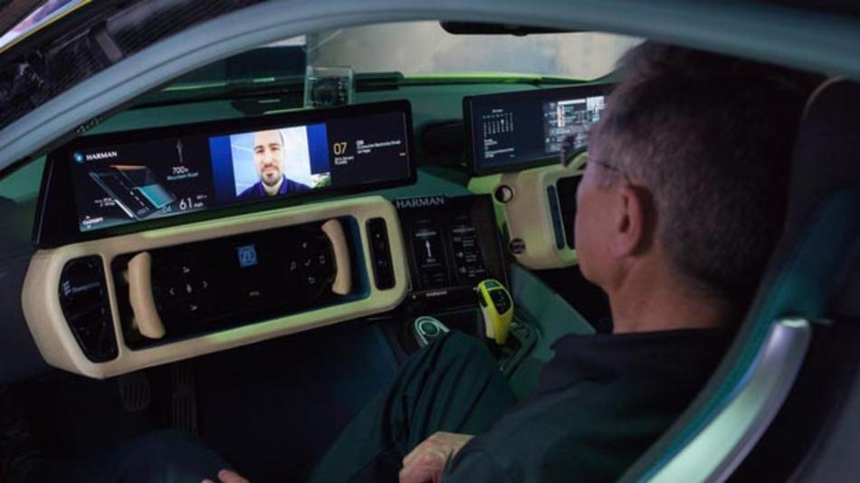 """Um den Passagieren ein einmaliges Infotainment-Erlebnis zu vermitteln, nutzt der Rinspeed """"Σtos"""" die Harman Connected Car Technologien. Dieses Know-how will sich nun Samsung zu Nutze machen."""