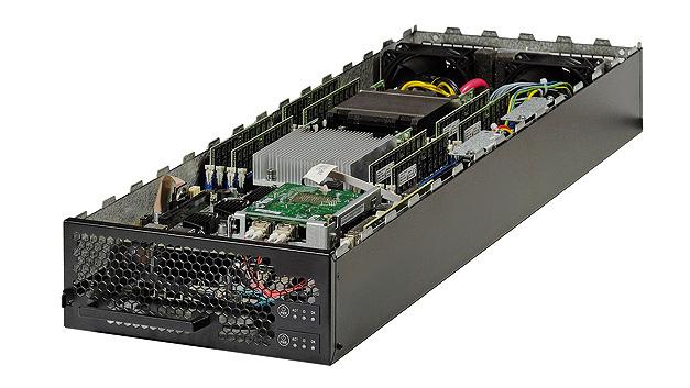 Bild 2. Ein Compute Sled nimmt zwei Xeon-Motherboards mit je zwei Prozessorsockeln und jeweils bis zu 256 GB (16 × 16 GB) RAM auf
