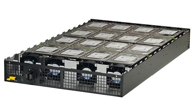 Bild 3. Ein Storage Sled enthält ebenfalls ein Xeon-Motherboard mit zwei Sockeln, zwei optischen 10-Gbit/s-Netzwerkkarten für die Datenebene, zwei optischen 1-Gbit/s-Netzwerkkarten für das Management sowie bis zu 256 GB RAM.