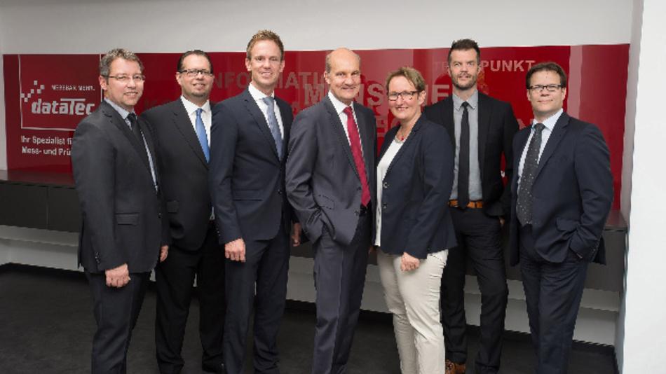 Die Gründer der dataTec AG von links nach rechts: Martin Pühl, Jörg Scholl,  Markus Kohler, Hans Steiner, Ursula Steiner, Roland Bertler, Frank Heller.