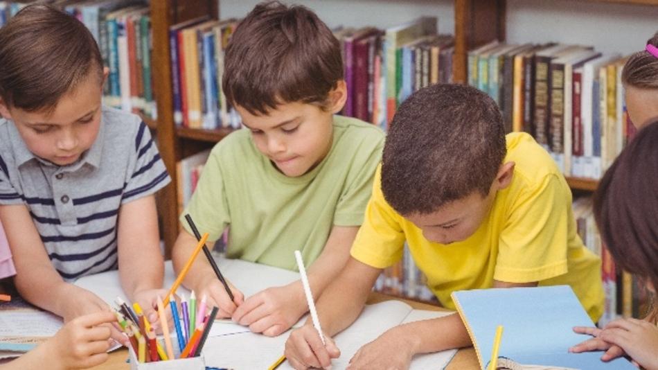 Papier oder Tablet: Mathematiker sehen die Bildungs-Diskussion kritisch.