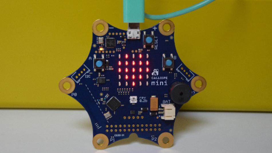 Weihnachtskeks mit Funktion:  Der Prozessor in der unteren linken Ecke des mini verbindet alle Funktionen des mini miteinander und liefert ausreichende Rechenleistung für alle Ideen und Projekte.