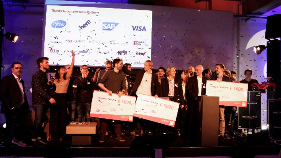 Die Sieger des Bitkom-Gründerwettbewerbs Get Started.