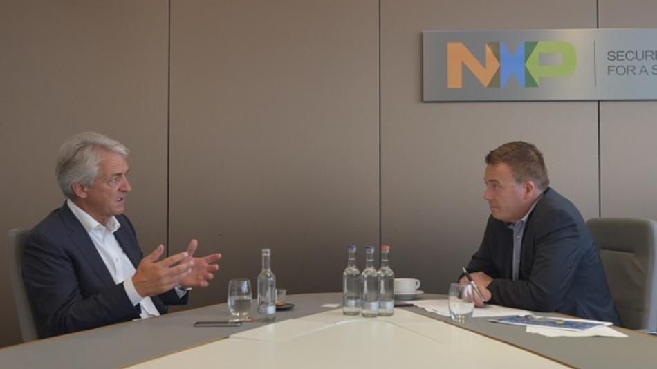NXPs VP Rüdiger Stroh mit D&E-Chefredakteur Frank Riemenschneider