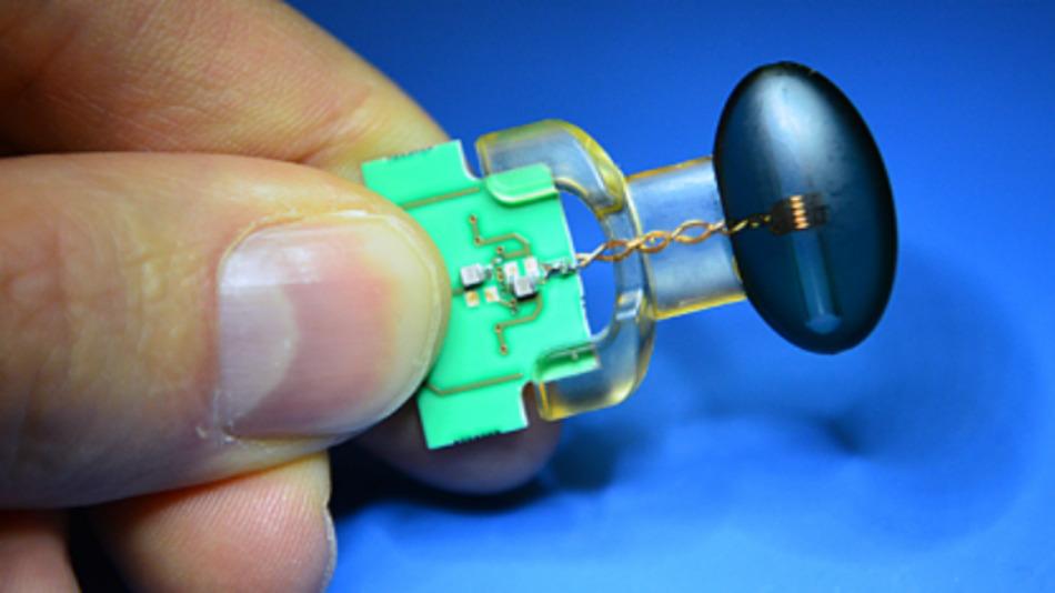 Es war eine Herausforderung, den hochempfindlichen Magnetfeld-Sensor so zu bauen, dass er die Radioantenne die Messungen nicht verfälscht.