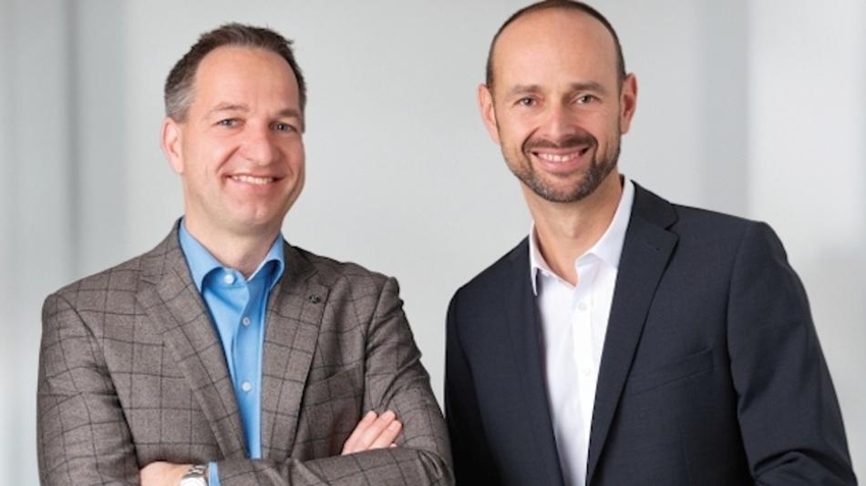 Neuer Geschäftsführer der HY-LINE Computer Martin Dibold (im Bild rechts)