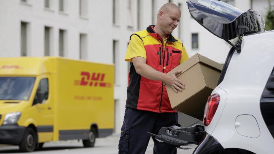 Dhl Und Smart Starten Pilotprojet Das Auto Als Mobiler Paketkasten