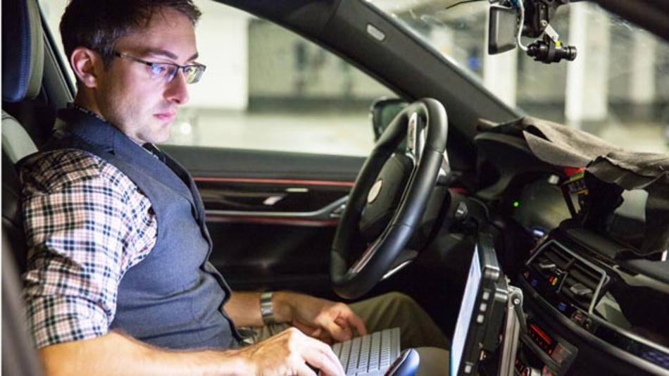 André Müller arbeitet als Software-Entwickler für hochautomatisiertes Fahren bei BMW.