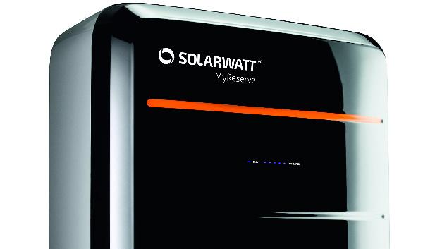 Der Solarspeicher MyReserve von SOLARWATT war bereits ein Paukenschlg im Solarmarkt. Auf der Intersolar 2017 will SOLARWATT mit einer Wetierentwicklung erneut Maßstäbe setzen.