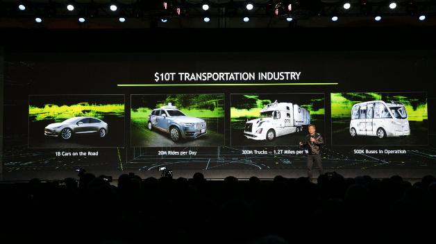 Huang hat sich zum Ziel gesetzt, mit künstlicher Intelligenz (AI) den 10 Billionen Dollar schweren Fahrzeugmarkt neu zu erfinden. Deep-Learning basiertes AI soll das Fahren sicherer, persönlicher und angenehmer machen.