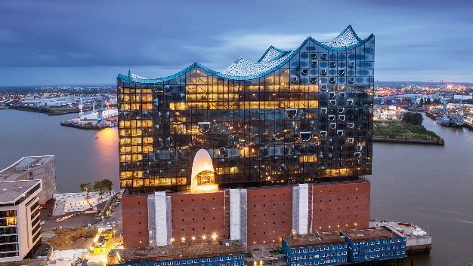 Vom Problemfall zum respektierten Prachtbau - die Elbphilharmonie in Hamburg.