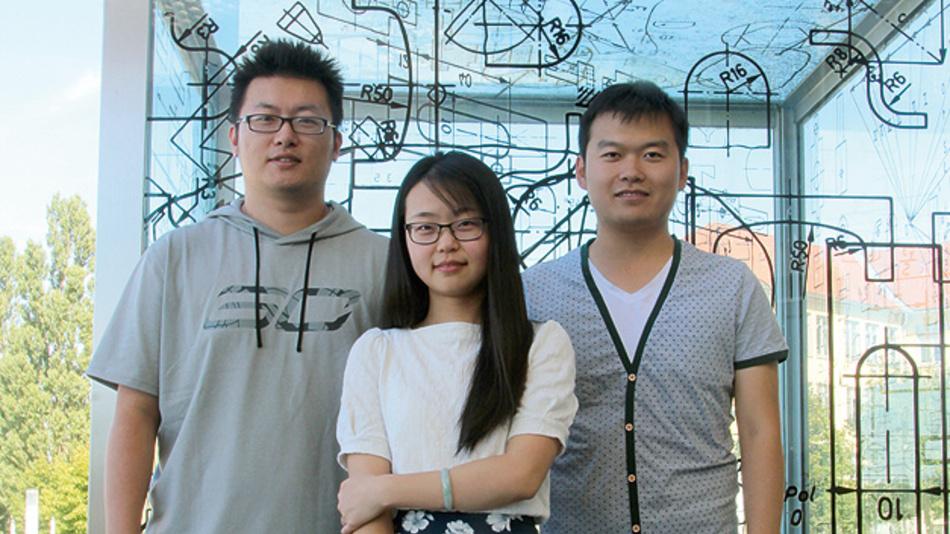 """Bild 2. Von der TU Ilmenau traten drei chinesische Studenten mit ihrem Projekt """"ZHI-fridge"""" an, einem Mikrosystem für """"intelligente"""" Kühlschränke."""