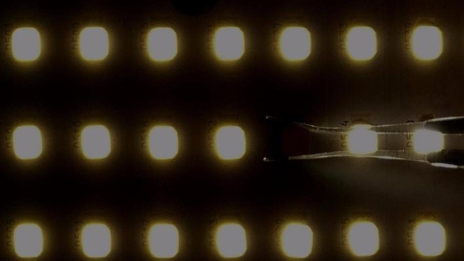 Kleinleistungsleuchtdioden Array. Hier beeinträchtig der Ausfall einer einzelnen LED das Gesamtsystem nicht.