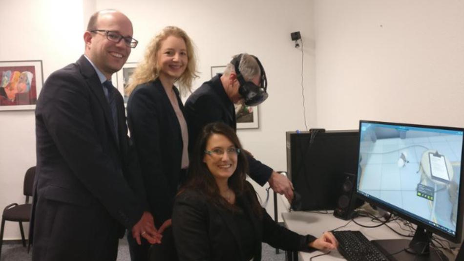 Prof. Dr. Patrick Lentz, Prof. Dr. Astrid Kruse, Prof. Jochen Dickel, Prof. Dr. Ellena Werning (v.l.n.r.) stellten die neuen Studiengänge der FHM vor.