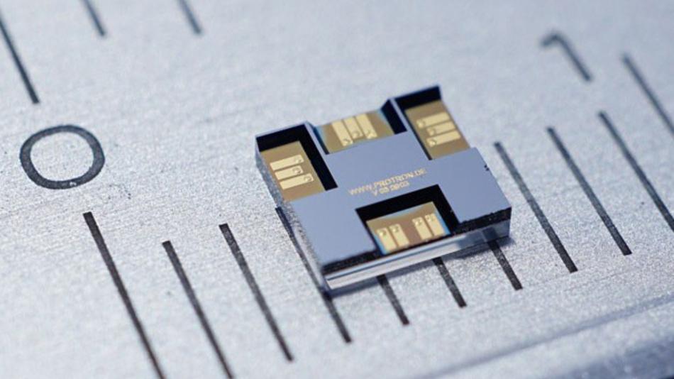 Nur 2,8 x 3,3 mm2 groß der HF-MEMS-Wechselschalter von Telemeter Electronic.