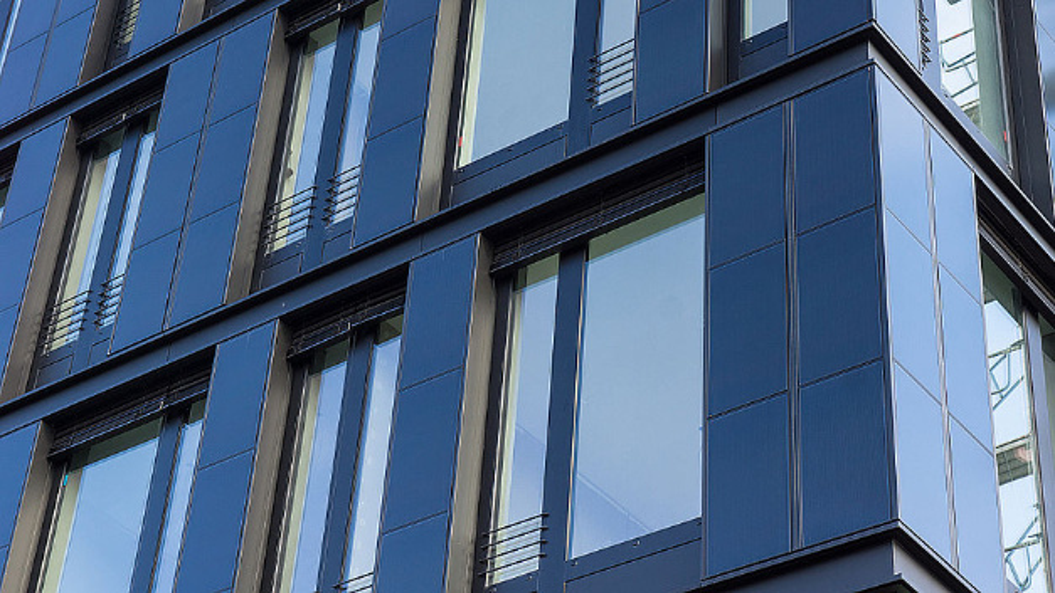 Die CIGS-Dünnschichtmodule, die das ZSW in die eigene Fassade integriert hat, werden bald auch in China produziert.