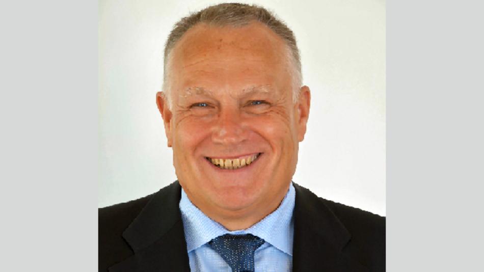 Rolf Aschhoff, Vice President Marketing & Sales: »Mit einer Produktionskapazität von aktuell 3000 Bauteilen pro Stunde ist SE Spezial-Electronic für die steigende Nachfrage nach MEMS-Oszillatoren bestens gerüstet«
