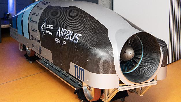 Auf der Teststrecke auf dem Firmengelände von SpaceX in Los Angeles trat das Team der TU München vom 27. bis 29. Januar gegen die anderen Teams an.