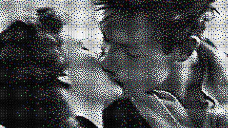 """'Pixel Art"""" von Quercetti, die Serie für Erwachsene. Die 'Pixel' bestehen aus analogen Kunststoff-Stecknadeln"""
