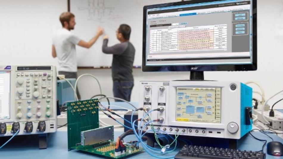 Die Bitfehlerraten-Tester der BSX-Serie von Tektronix gibt es mit maximalen Datenraten von 12,5 Gb/s, 24 Gb/s und 32 Gb/s