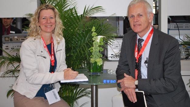 Siegfried Groß, Keysight im Gespräch mit Markt&Technik-Redakteurin Nicole Wörner.