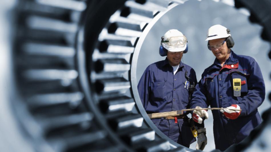 """""""Die Maschinenbaukonjunktur erweist sich weiterhin als robust - nicht mehr, aber auch nicht weniger"""", meint VDMA-Chefvolkswirt Dr. Ralph Wiechers."""