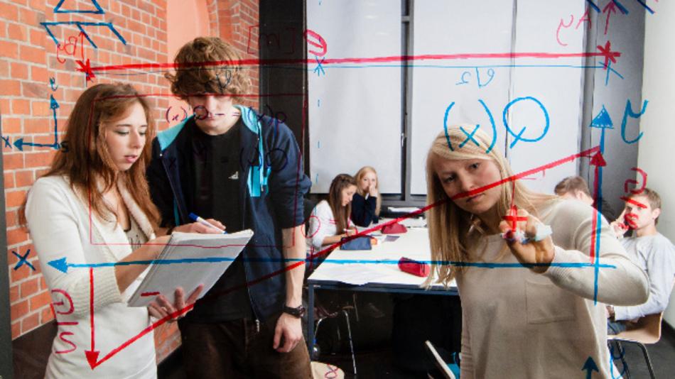 Was verbirgt sich hinter den Studiengängen der Fachrichtungen Elektrotechnik, Informatik und Mathematik?