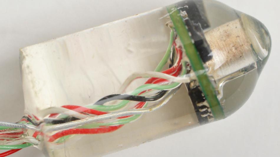 Das einnehmbare elektronische Gerät kann Herzfrequenz und Atemfrequenz aus dem Inneren des Verdauungssystems messen.